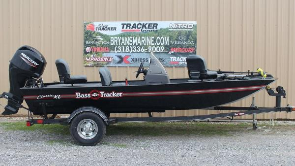 2021 Tracker Boats boat for sale, model of the boat is BASS TRACKER® Classic XL & Image # 1 of 13