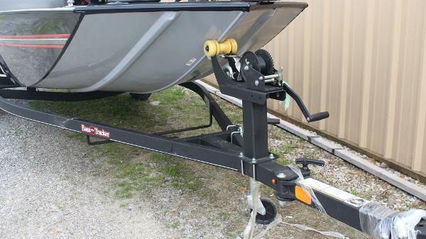 2021 Tracker Boats boat for sale, model of the boat is BASS TRACKER® Classic XL & Image # 12 of 13