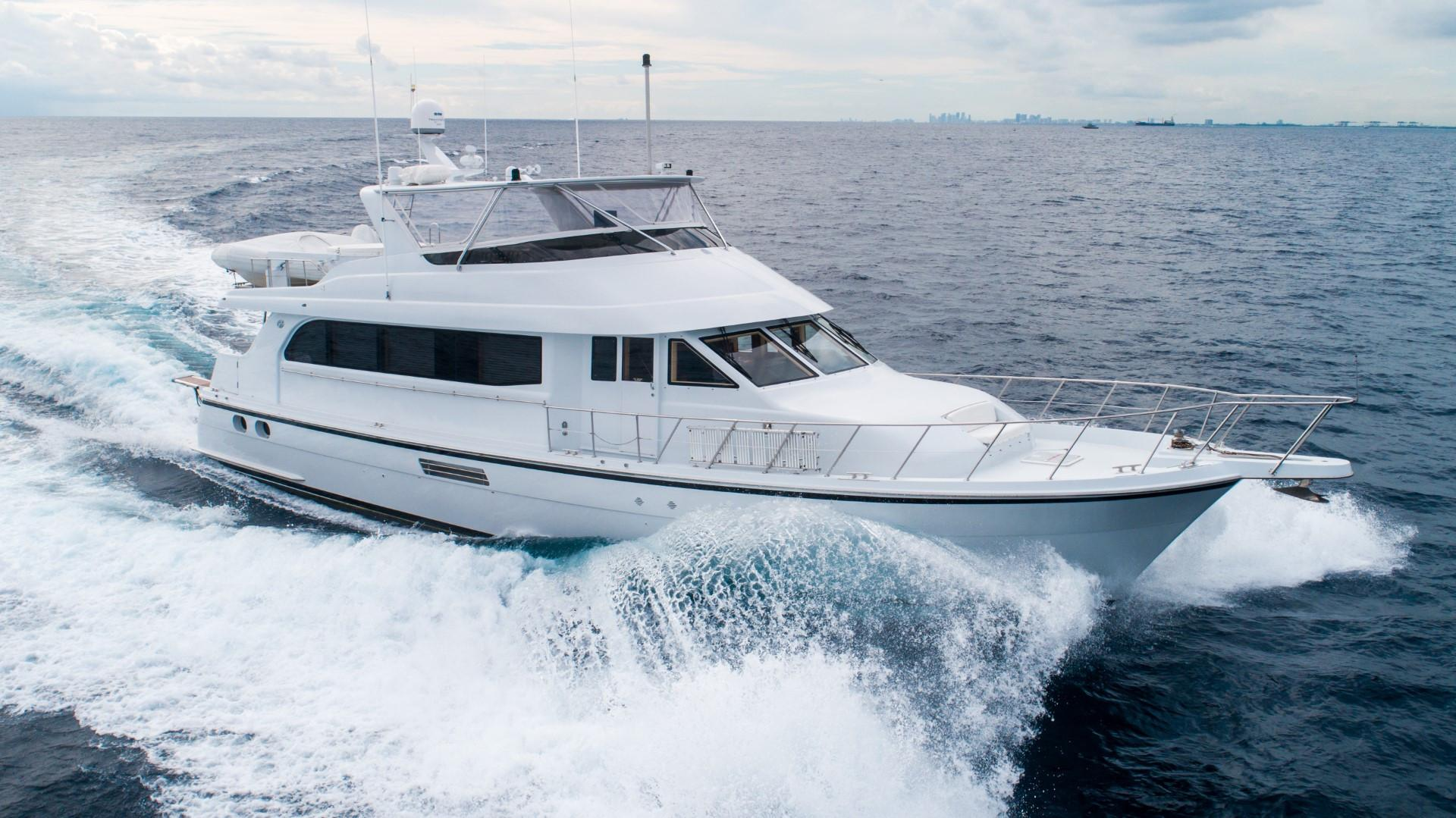 2002 75' Hatteras Motor Yacht - Strbrd Bow