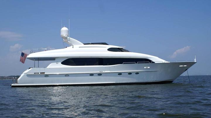 94 ft Lazzara Motor Yacht 94
