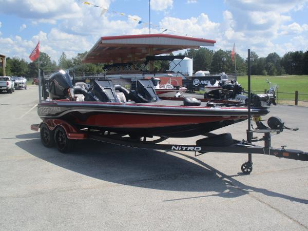 2019 Nitro boat for sale, model of the boat is Z21 Elite & Image # 8 of 59