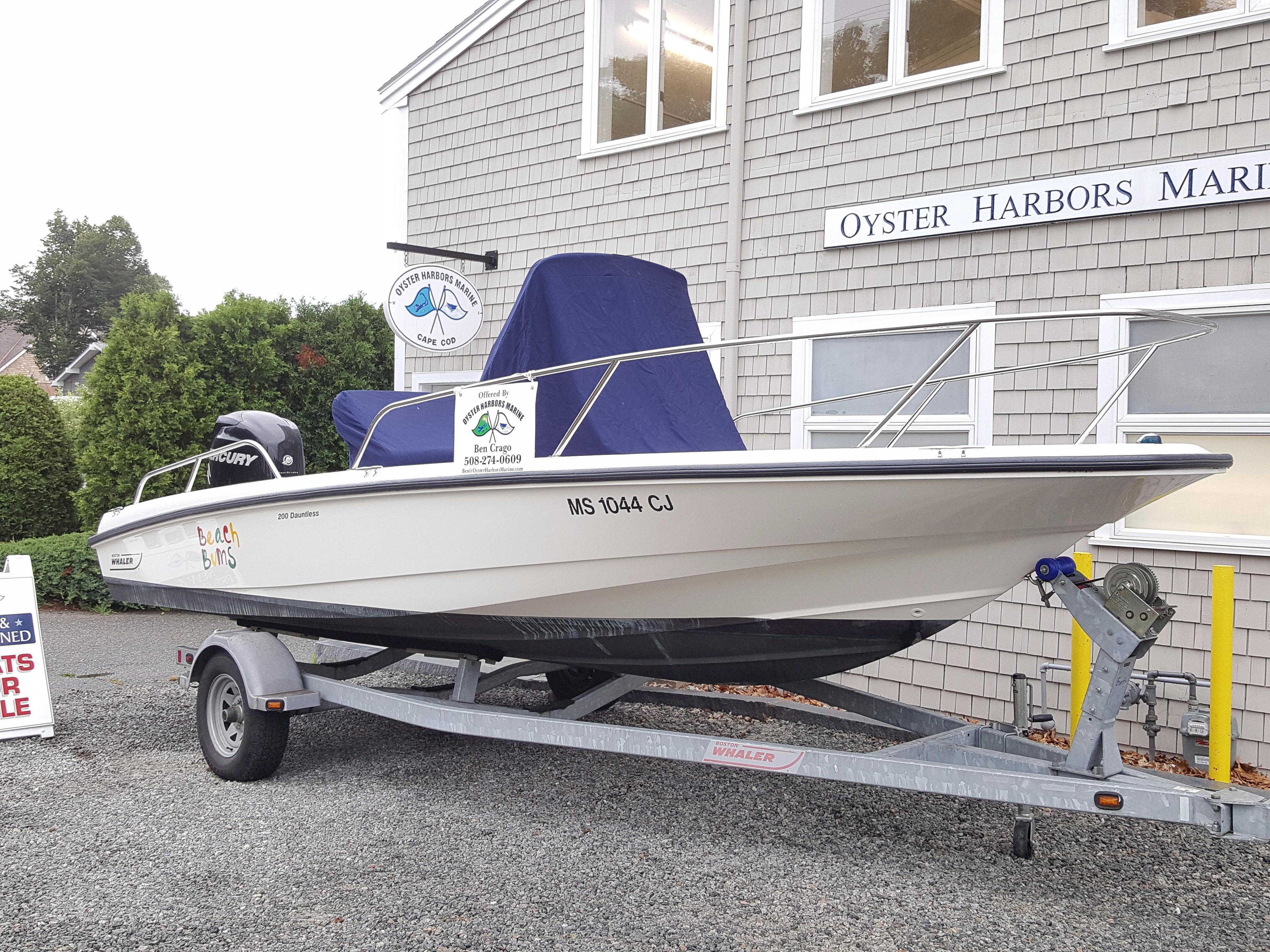 Boston WhalerDauntless 20