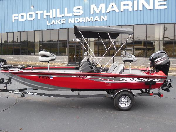 2018 Tracker Boats boat for sale, model of the boat is Pro Team™ 175 TXW & Image # 1 of 32