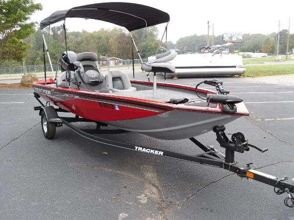 2018 Tracker Boats boat for sale, model of the boat is Pro Team™ 175 TXW & Image # 3 of 32
