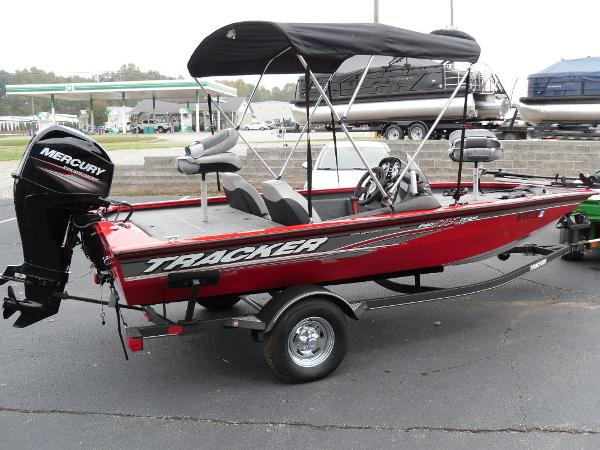 2018 Tracker Boats boat for sale, model of the boat is Pro Team™ 175 TXW & Image # 5 of 32
