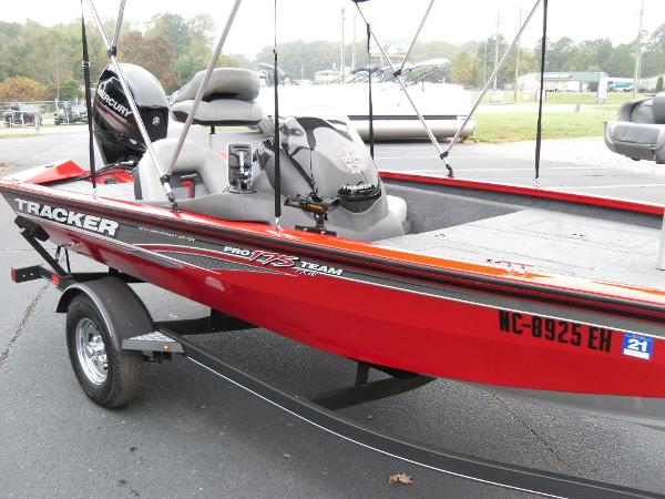 2018 Tracker Boats boat for sale, model of the boat is Pro Team™ 175 TXW & Image # 12 of 32