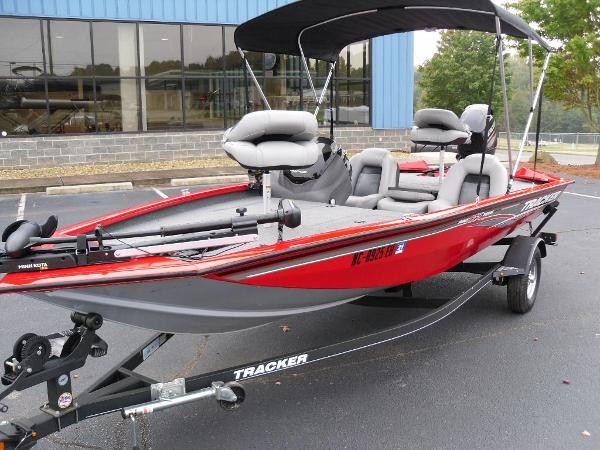 2018 Tracker Boats boat for sale, model of the boat is Pro Team™ 175 TXW & Image # 22 of 32