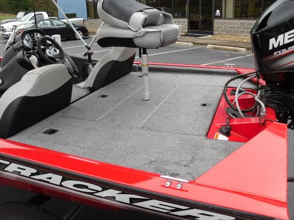 2018 Tracker Boats boat for sale, model of the boat is Pro Team™ 175 TXW & Image # 29 of 32