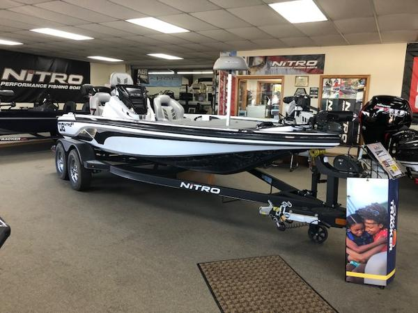 2021 Nitro boat for sale, model of the boat is Z18 & Image # 2 of 58