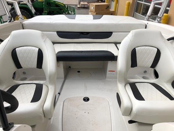 2016 Tahoe boat for sale, model of the boat is 400TS & Image # 6 of 8