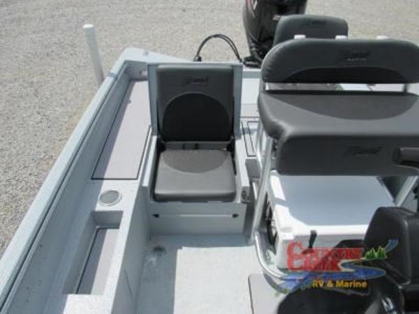 2019 Excel boat for sale, model of the boat is 230 Bay & Image # 9 of 15