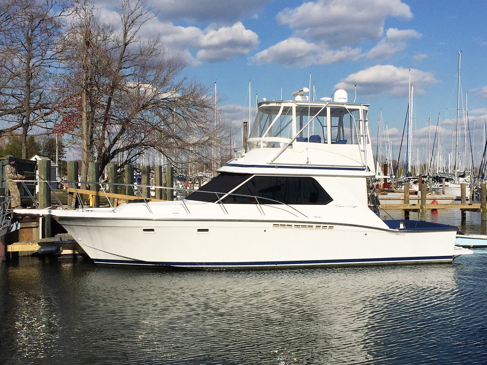 Perfect Balance Chris-craft 1989 392 Commander 39 Yacht for