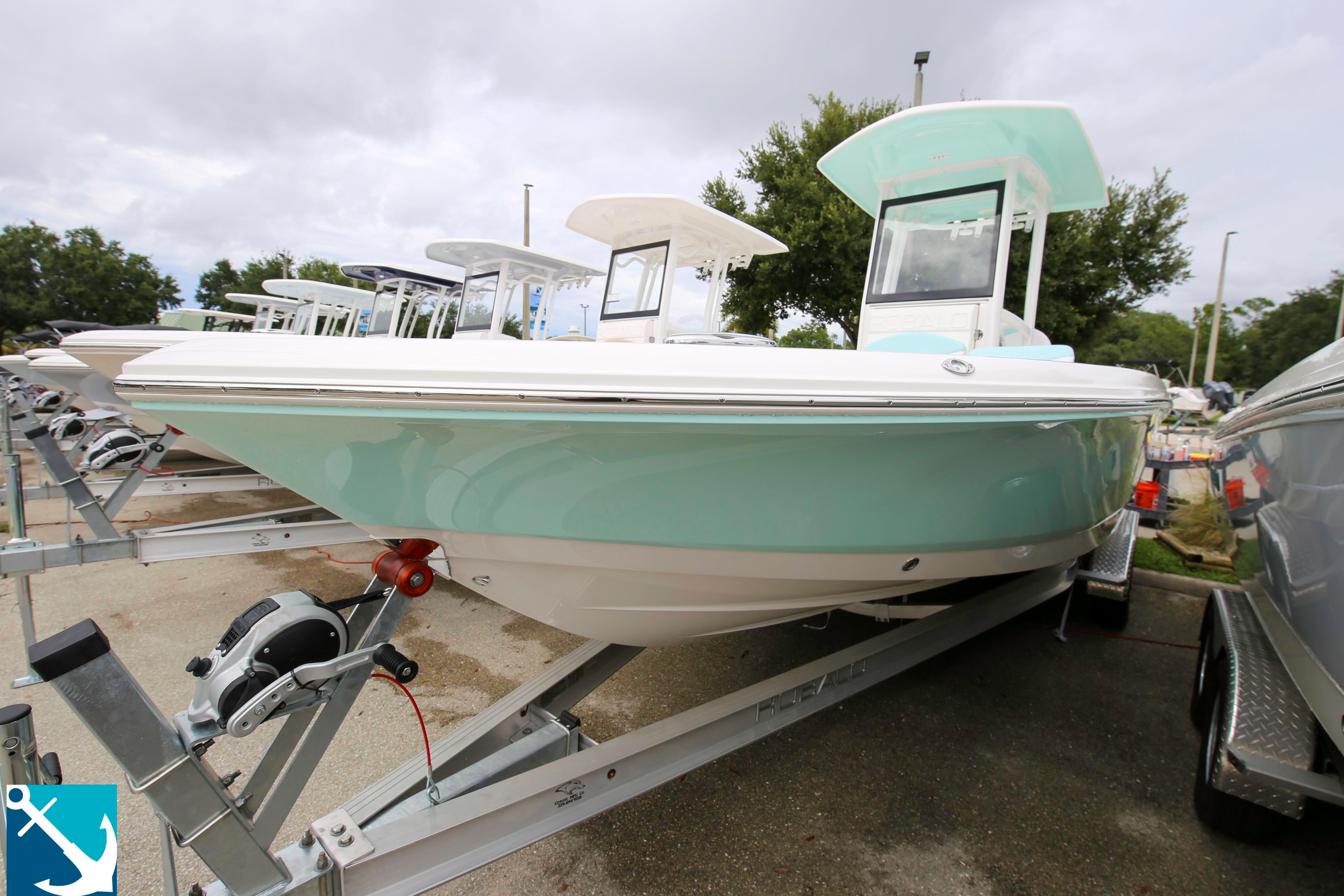 Robalo 246 Cayman 2020