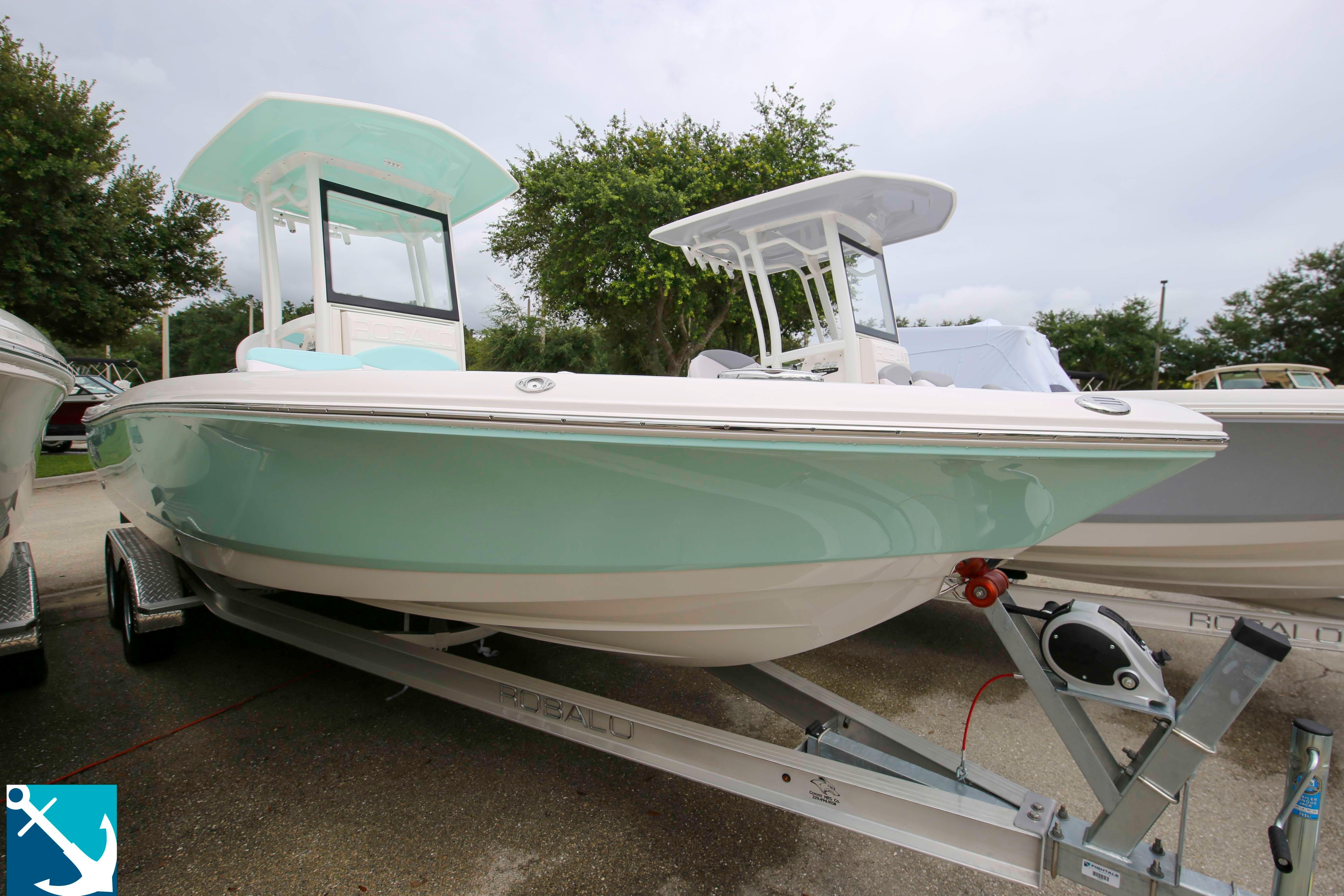 Robalo 246 Cayman 2020 2
