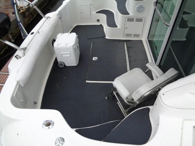 Sea Ray 400 Sedan Bridge - Cockpit