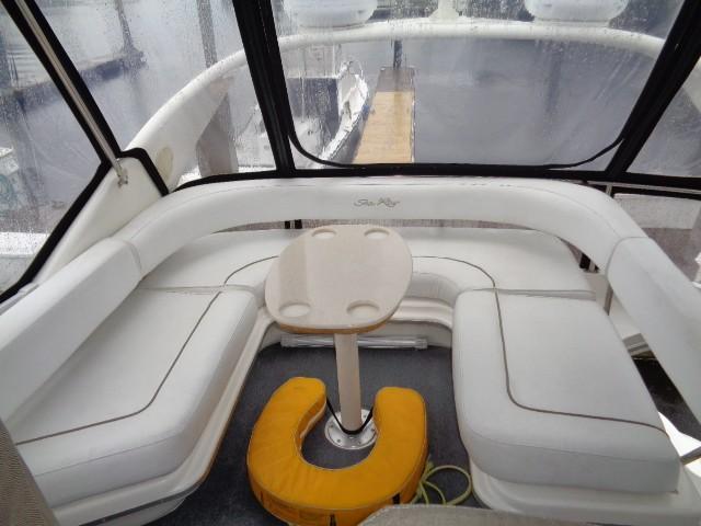 Sea Ray 400 Sedan Bridge - Aft Bridge Seating