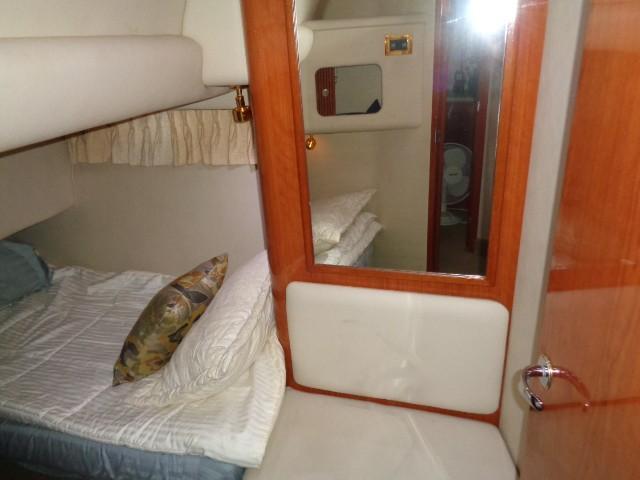Sea Ray 400 Sedan Bridge - Portside VIP 2