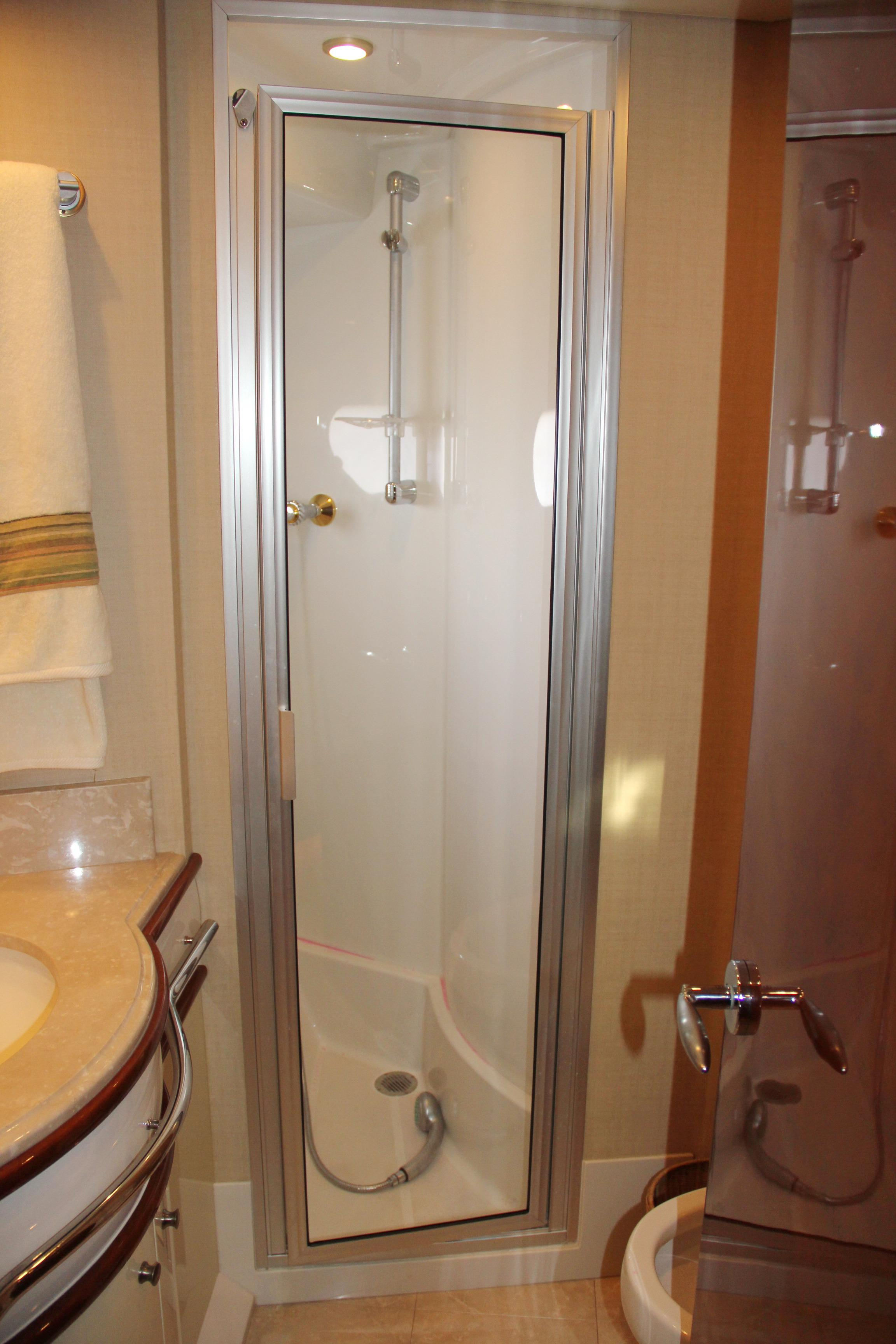 VIP Head with Shower Stall