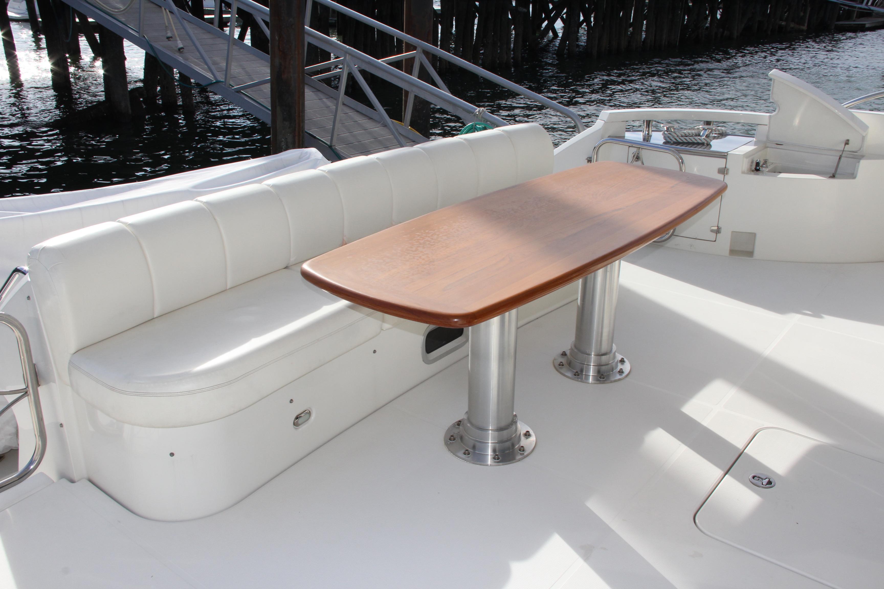 High Gloss Cherrywood Cockpit Table