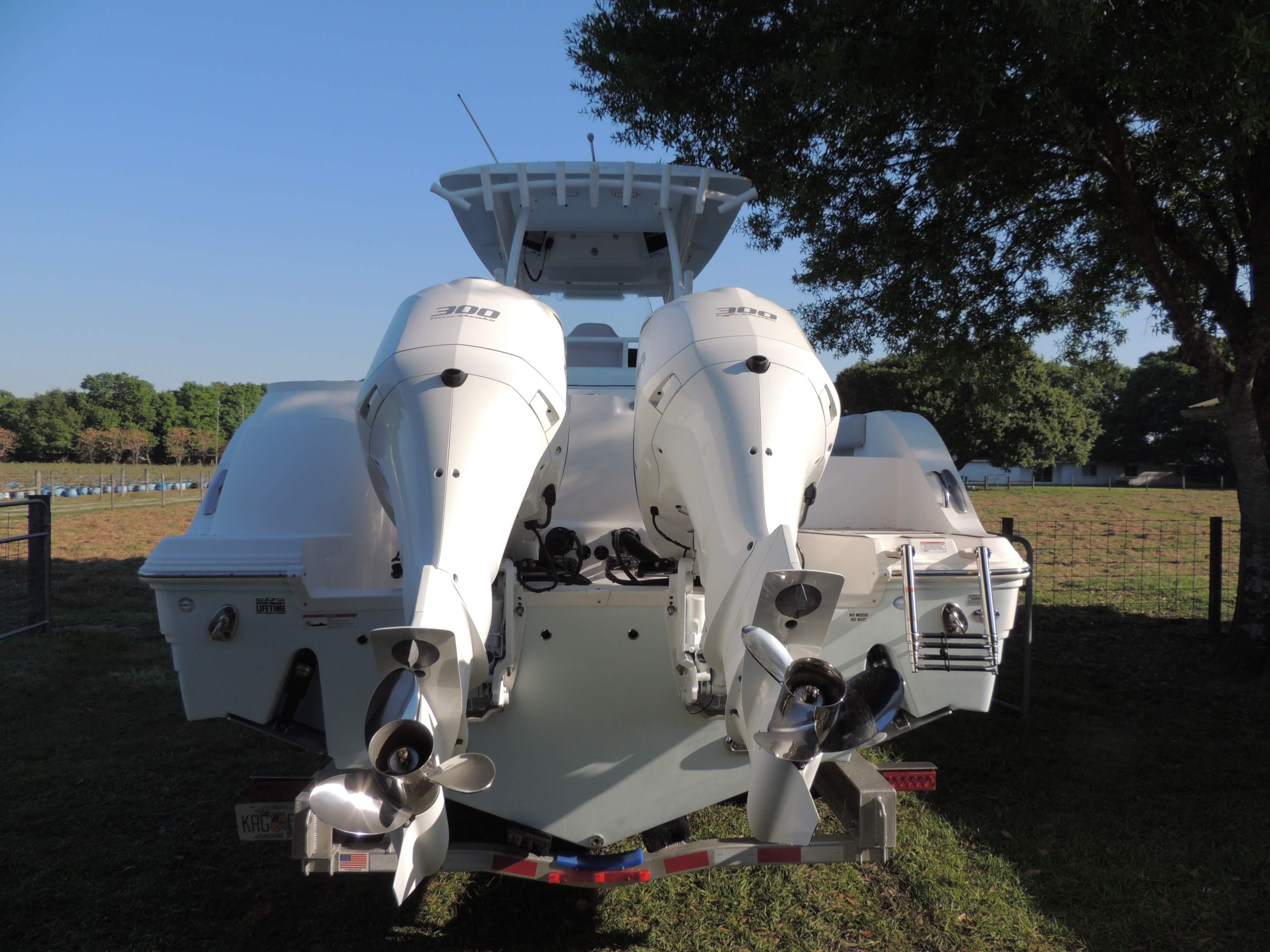 2019 Sea Fox 328 Commander