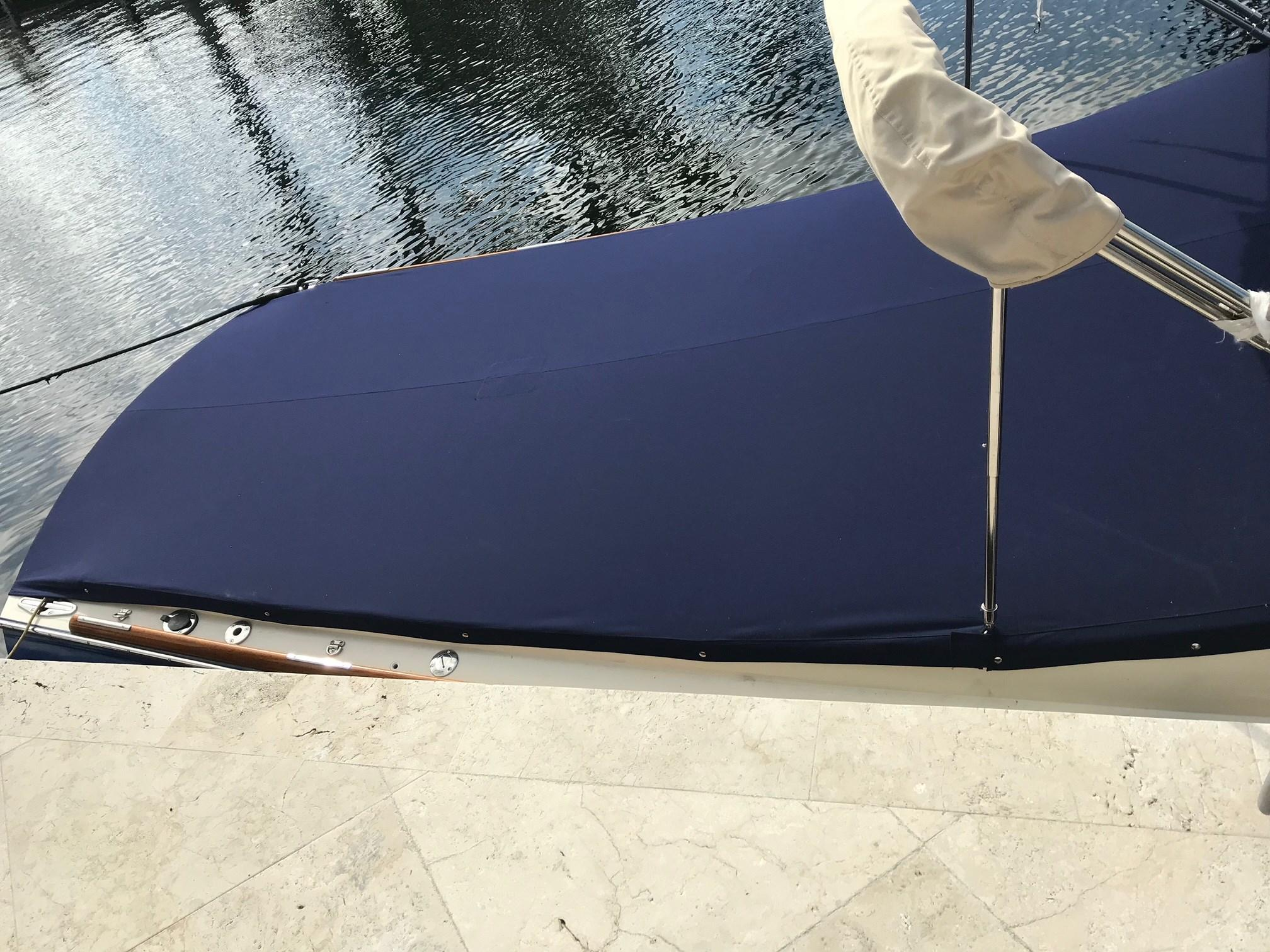 Mooring cover aft
