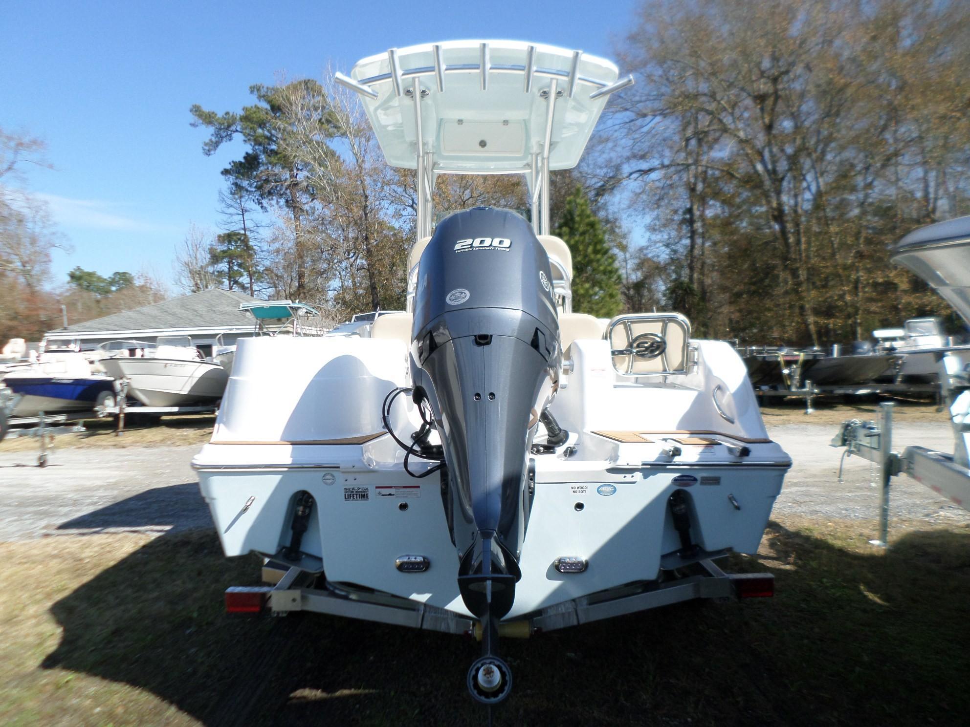 New  2018 22.33' Sea Fox 226 Commander Center Console in Slidell, Louisiana