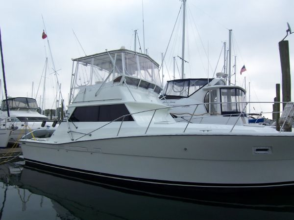 40' Viking Yachts 40 Sedan