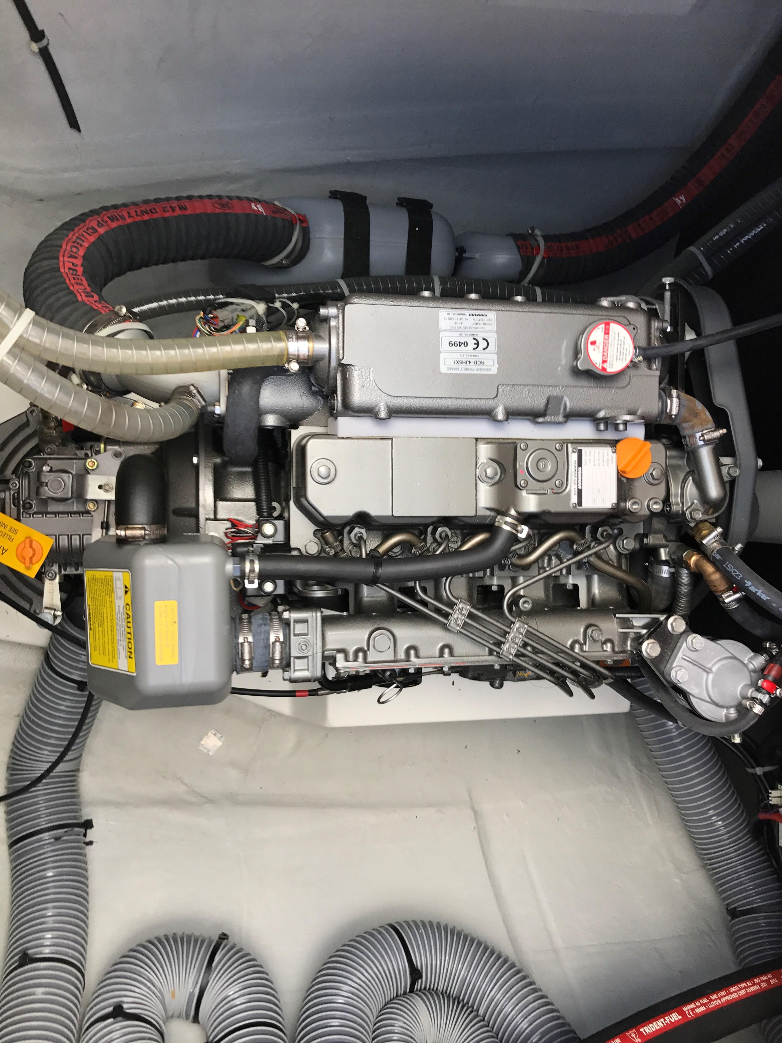 Lagoon 450 Engine