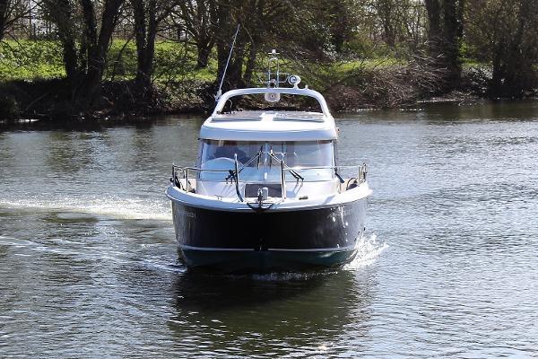 2001 Aquador 25 C