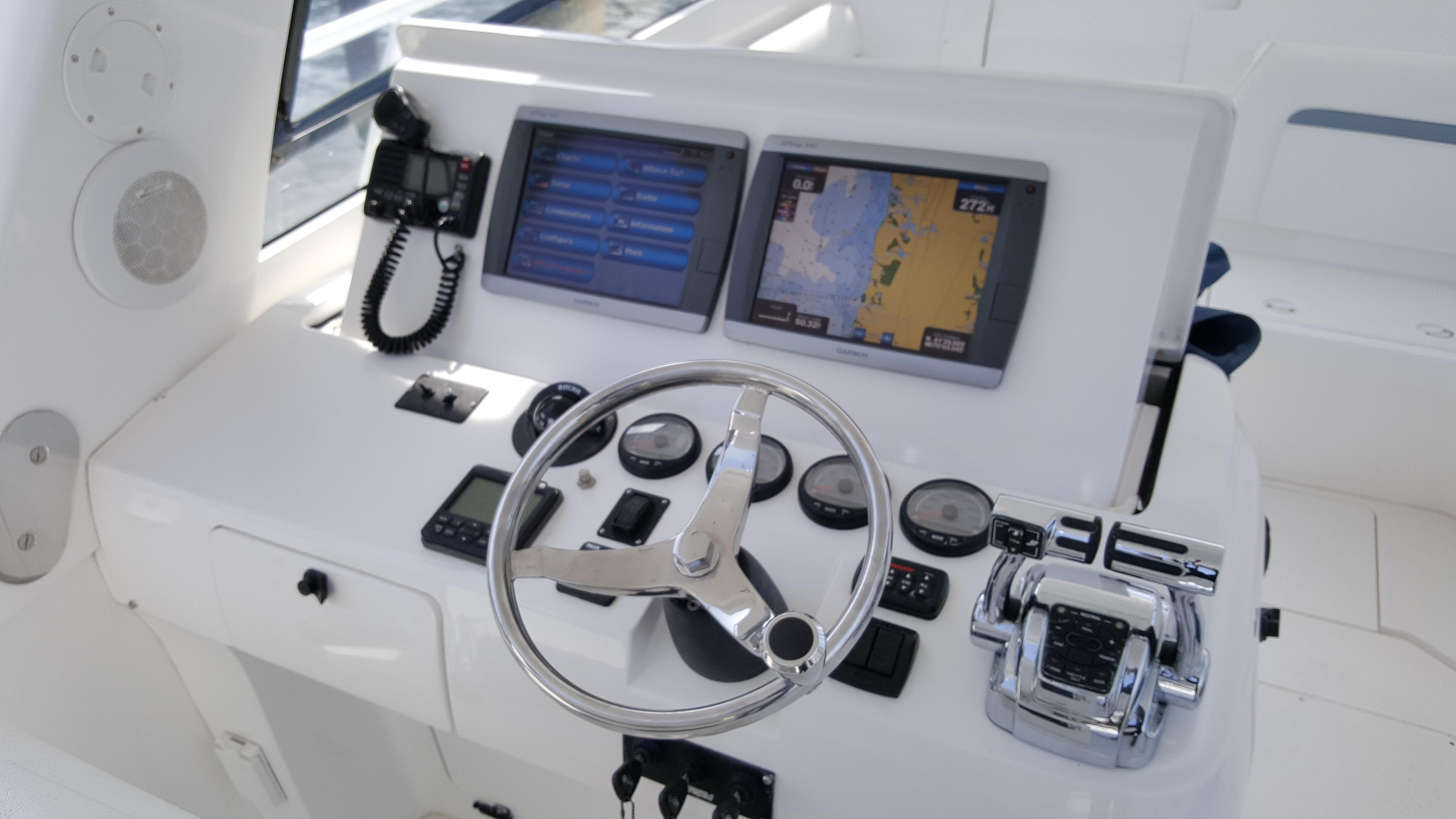 Intrepid390 Sport Yacht (New Engines)