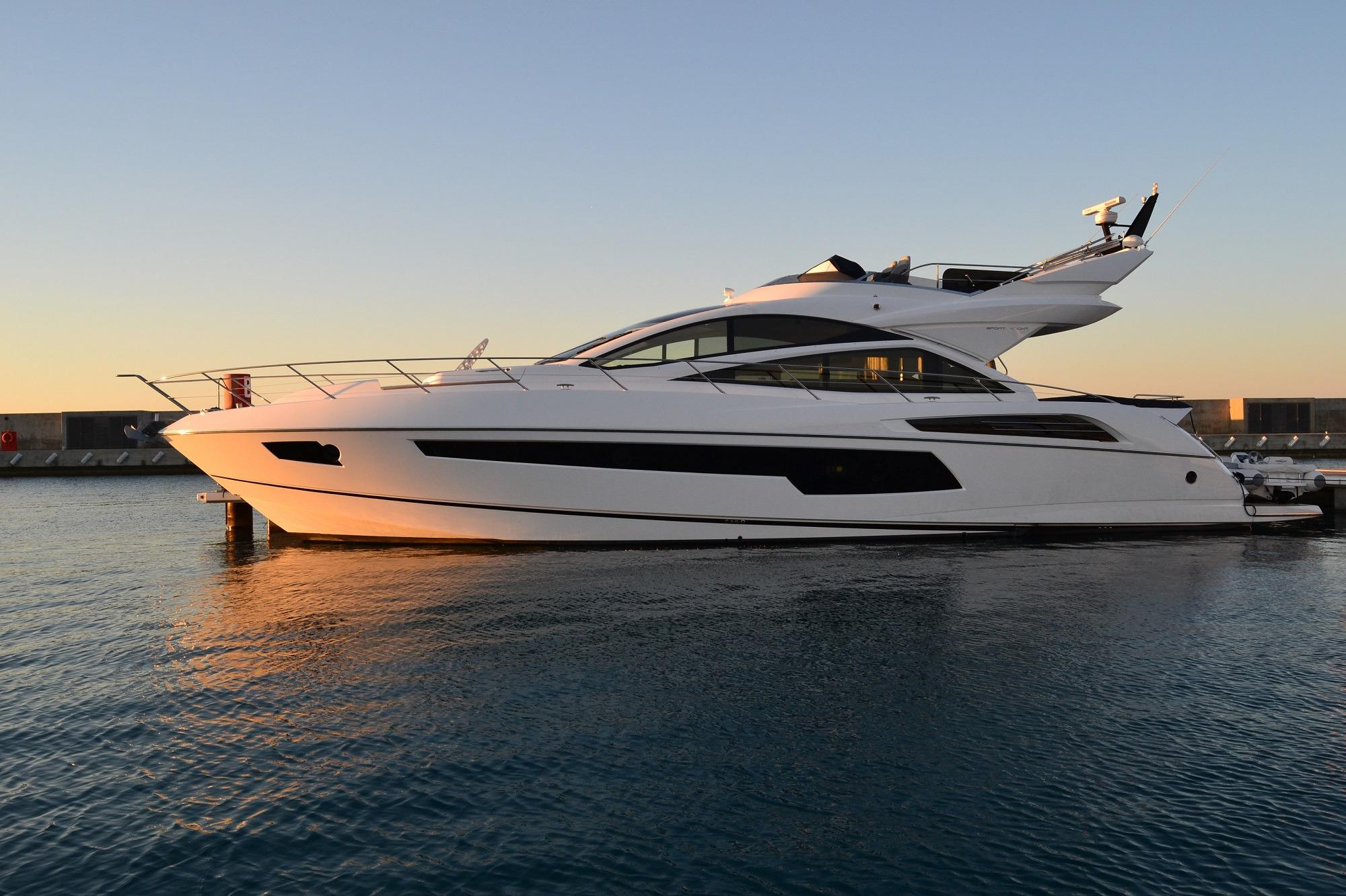 Sunseeker 68 Sport Yacht - Side Profile