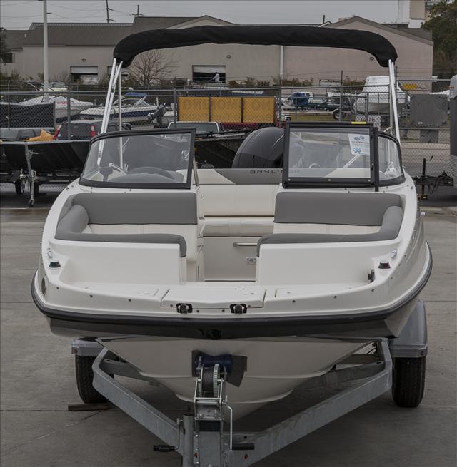 BaylinerDeck Boat 190