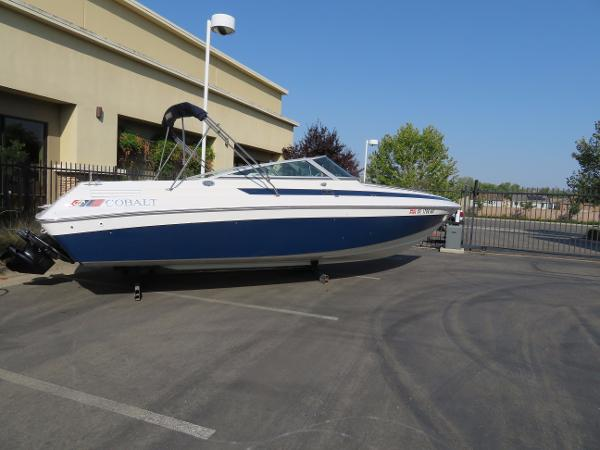 1990 COBALT 253 CUDDY for sale
