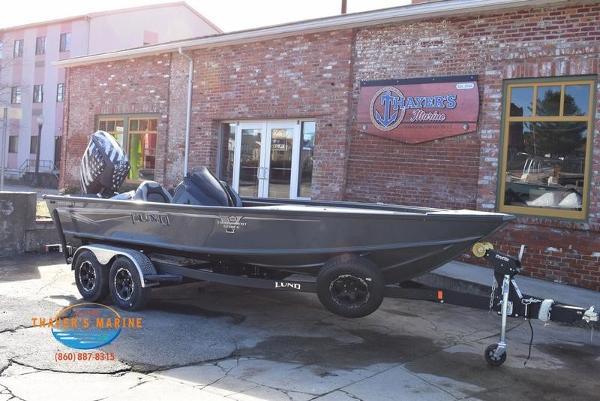 2020 Lund boat for sale, model of the boat is 2075 Pro-V Bass Bench Seating & Image # 1 of 50