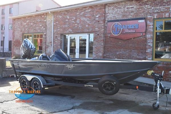 2020 Lund boat for sale, model of the boat is 2075 Pro-V Bass Bench Seating & Image # 2 of 50