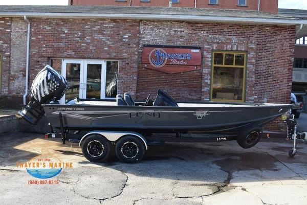 2020 Lund boat for sale, model of the boat is 2075 Pro-V Bass Bench Seating & Image # 3 of 50