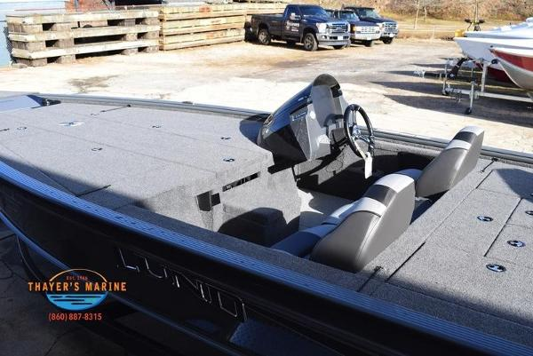 2020 Lund boat for sale, model of the boat is 2075 Pro-V Bass Bench Seating & Image # 21 of 50
