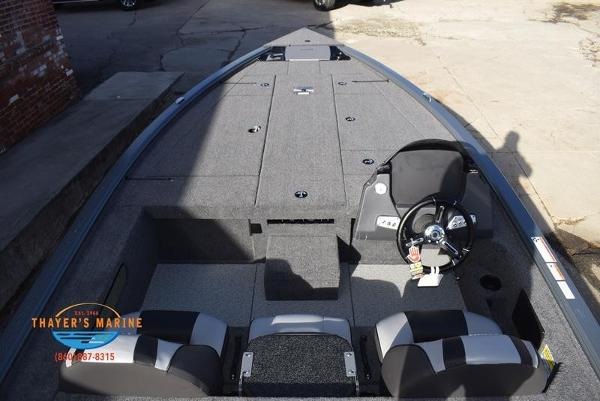 2020 Lund boat for sale, model of the boat is 2075 Pro-V Bass Bench Seating & Image # 48 of 50