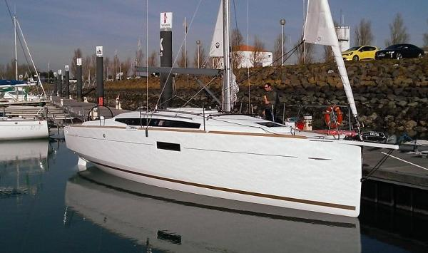 Jeanneau 349 For Sale Broker