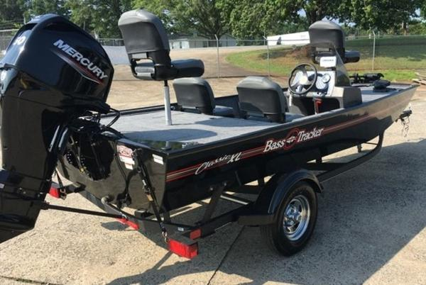 2021 Tracker Boats boat for sale, model of the boat is BASS TRACKER® Classic XL & Image # 6 of 10
