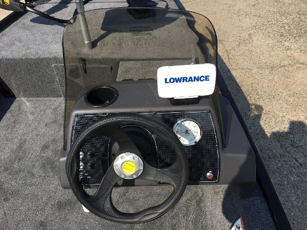 2021 Tracker Boats boat for sale, model of the boat is BASS TRACKER® Classic XL & Image # 10 of 10