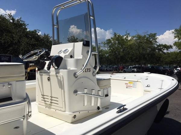 2016 Mako boat for sale, model of the boat is 21 LTS & Image # 5 of 7