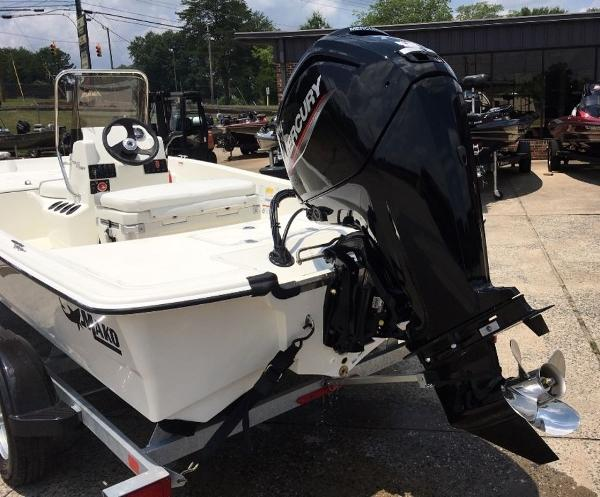 2021 Mako boat for sale, model of the boat is 17 SKIFF CC & Image # 3 of 8