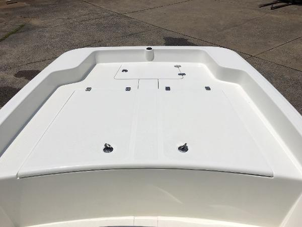 2021 Mako boat for sale, model of the boat is 17 SKIFF CC & Image # 4 of 8