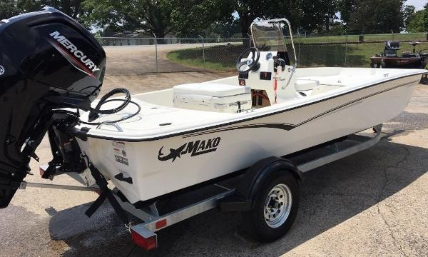 2021 Mako boat for sale, model of the boat is 17 SKIFF CC & Image # 5 of 8
