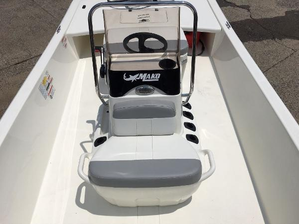2021 Mako boat for sale, model of the boat is 17 SKIFF CC & Image # 6 of 8