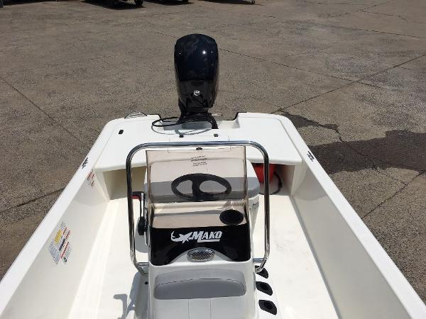 2021 Mako boat for sale, model of the boat is 17 SKIFF CC & Image # 8 of 8