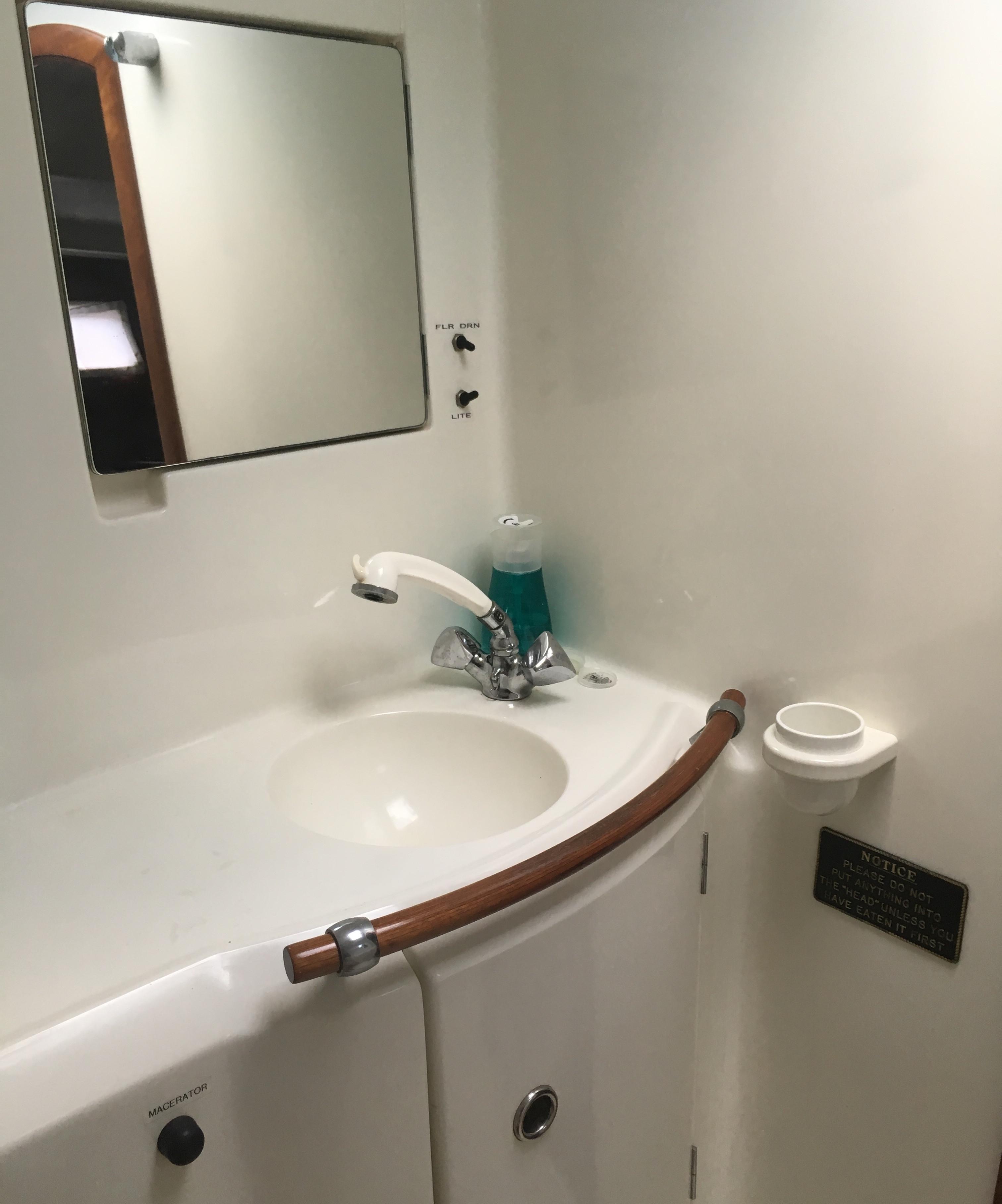Forward Head Sink and Vanity