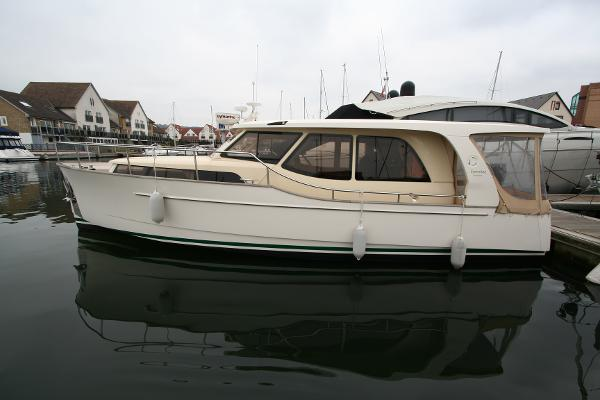 Greenline 33 used boat for sale from Boat Sales International