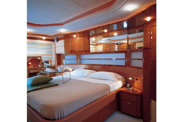 Manufacturer Provided Image: Double Cabin